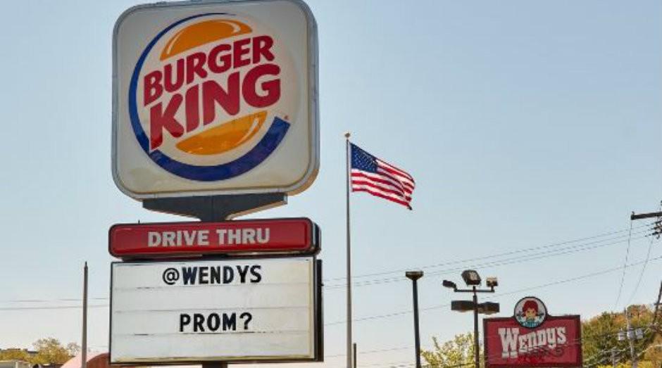 Burger King alterou o letreiro de sua loja para realizar brincadeira com concorrente Wendys (Foto: Reprodução)