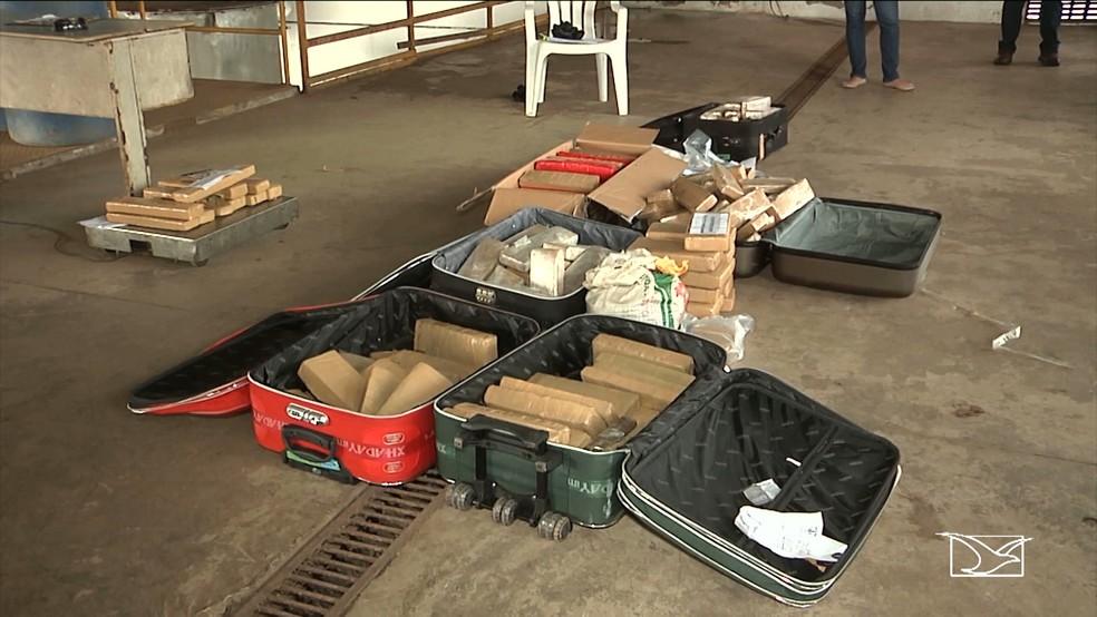 Do total incinerado, 150 kg eram de maconha e o restante eram quantidades de crack e cocaína. (Foto: Reprodução/TV Mirante)