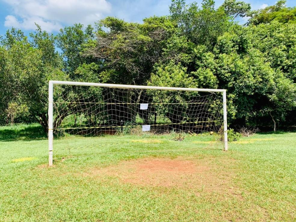 Campo foi fechado porque jogos continuavam acontecendo mesmo após denúncias em Jaú — Foto: Prefeitura de Jaú/Divulgação