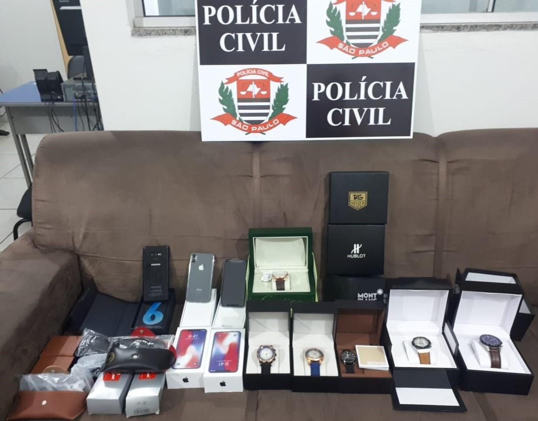Polícia Civil detém homens com celulares, óculos e relógios falsificados no Centro de Dracena - Radio Evangelho Gospel