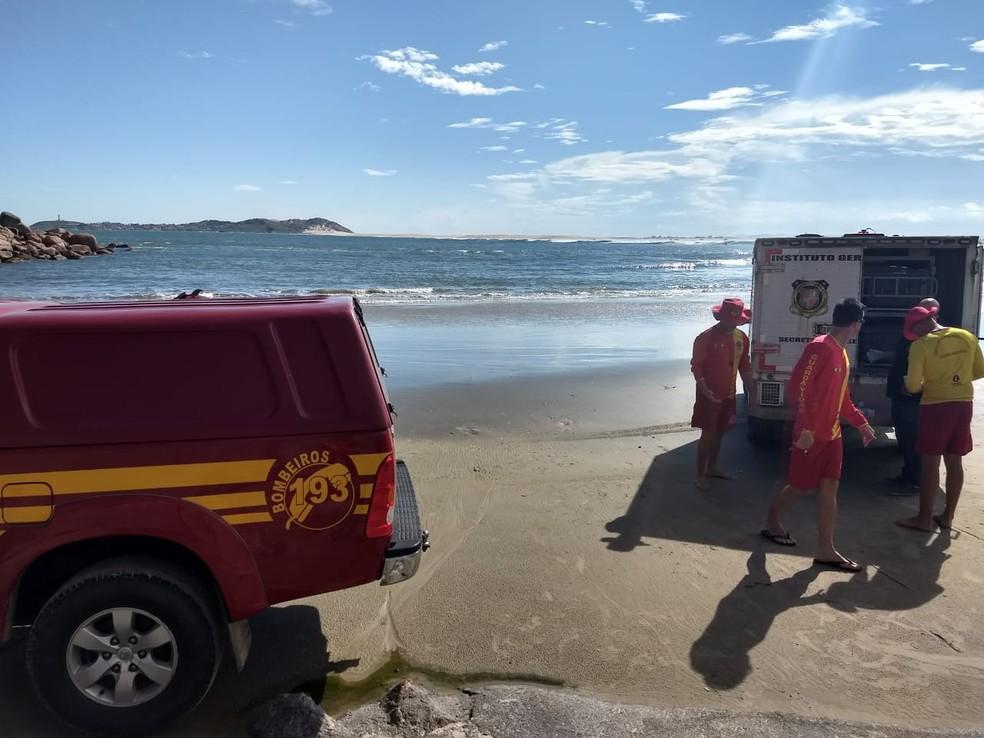 Morador de Farroupilha morreu afogado em praia de Laguna — Foto: Corpo de Bombeiros/ Divulgação