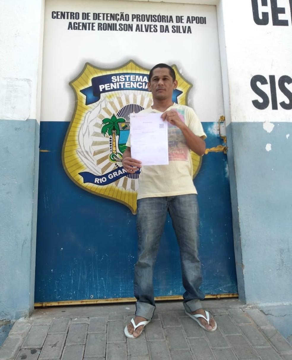 Isaac Mendonça de Lucena foi solto na tarde desta quarta (7) — Foto: Arquivo Pessoal