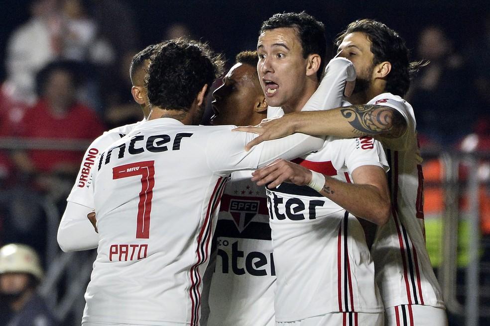 São Paulo e Palmeiras se enfrentaram neste sábado, no Morumbi — Foto: Marcos Ribolli