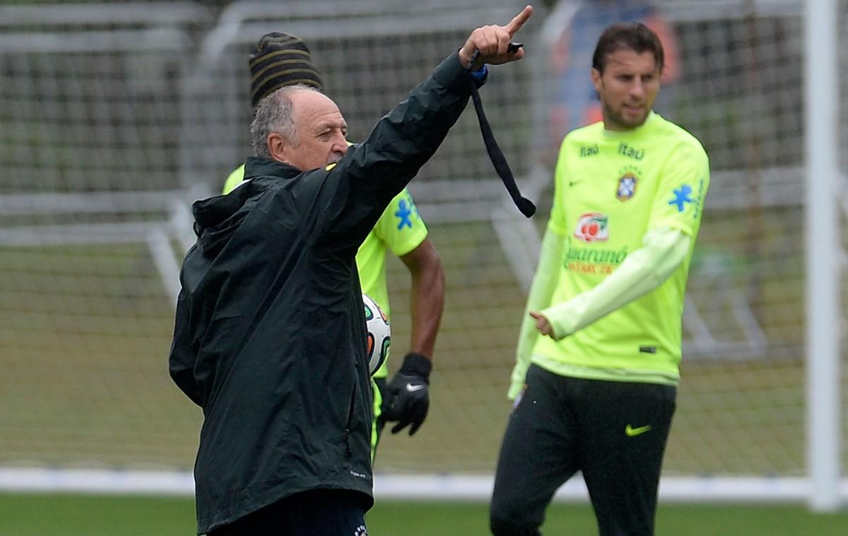 9c6fe90f35505 Capitão em Dérbi e surpresa na Copa  Felipão e Henrique se reencontram em  Palmeiras x Corinthians