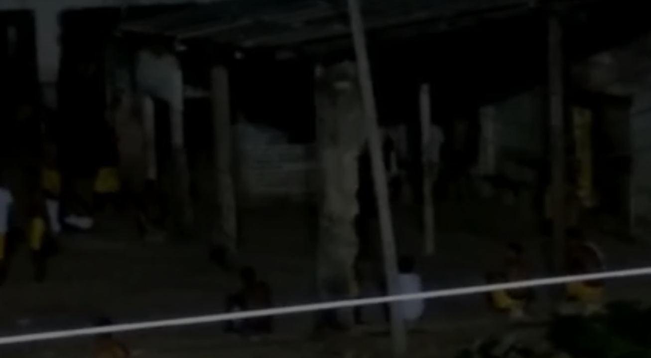 Vídeo mostra dezenas de presos soltos e circulando durante a noite na Penitenciária Agrícola de RR