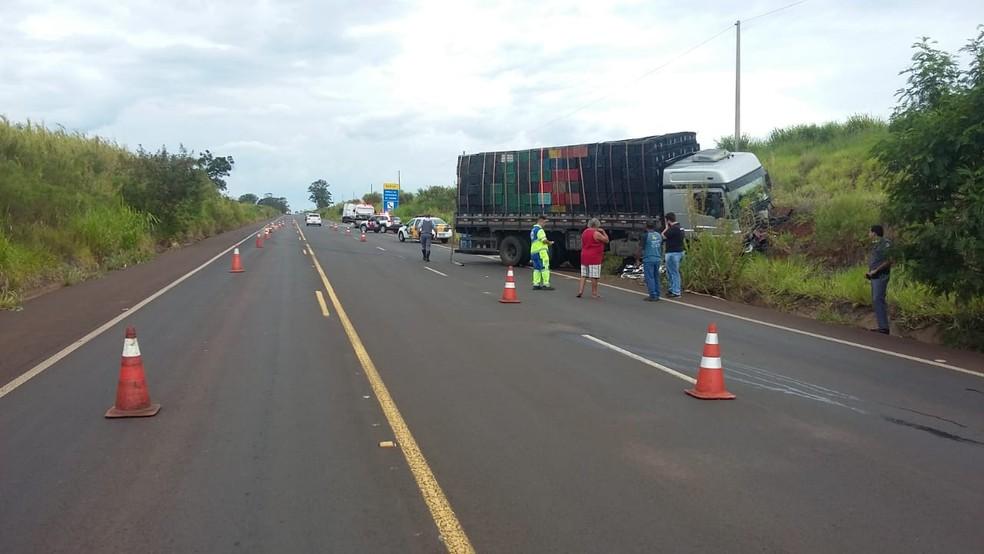 Carros na rodovia SP-304 após colisão entre ônibus e carro — Foto: Arquivo pessoal