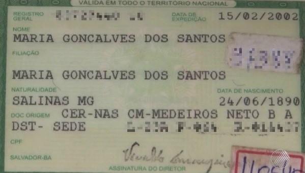 Identidade de idosa de 126 anos que mora na Bahia (Foto: Reprodução/TV Santa Cruz)