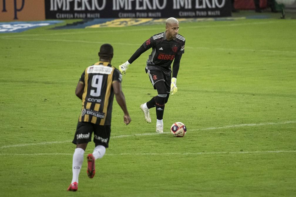 Gabriel Batista no jogo contra o Volta Redonda, pela semifinal do Campeonato Carioca — Foto: Alexandre Vidal / Flamengo