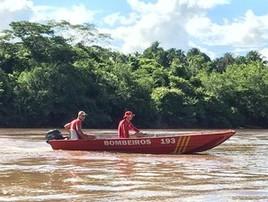 Mãe que pulou em rio por filha que fingiu se jogar segue sumida (Corpo de Bombeiros/Divulgação)