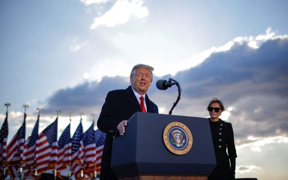 Trump fala pela última vez como presidente dos EUA em Maryland, próximo a Washington — Foto: Carlos Barria/Reuters
