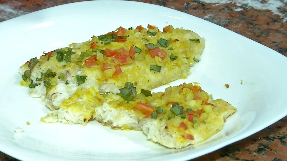 -  Receita de pastel com filé de peixe feito em Campo Grande  Foto: Reprodução/TV Morena