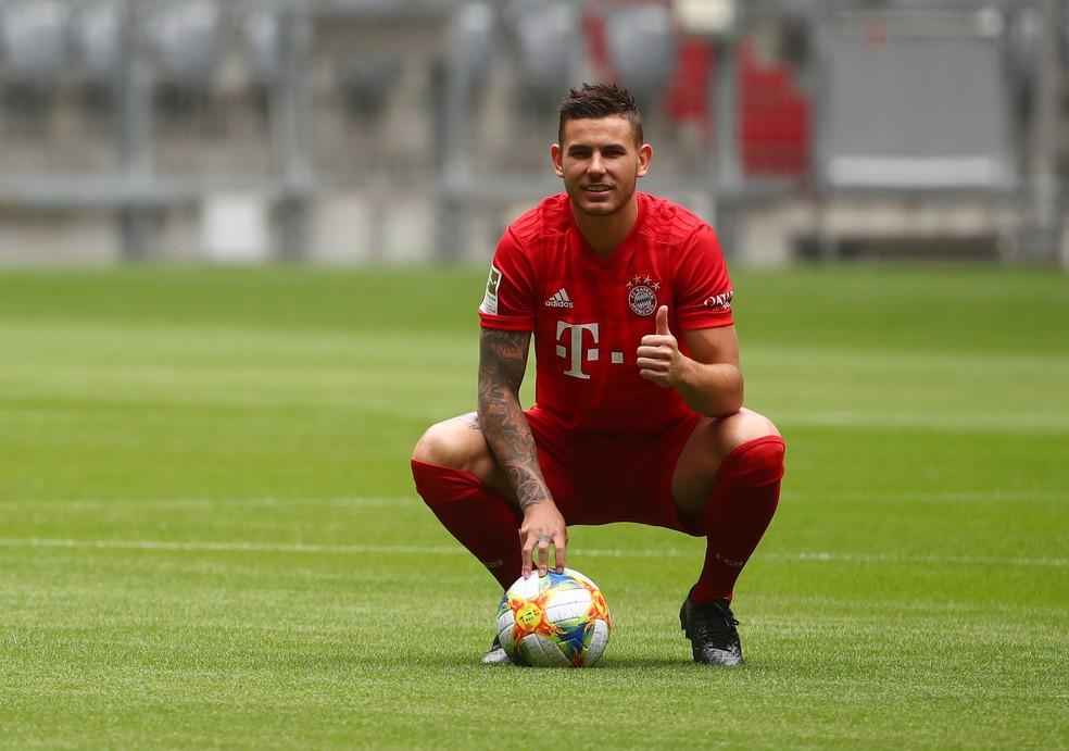 Lucas Hernández apresentado como reforço do Bayern de Munique — Foto: REUTERS/Michael Dalder