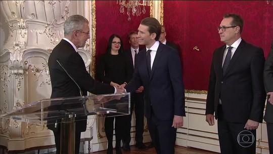 Novo governo formado pela extrema-direita toma posse na Áustria