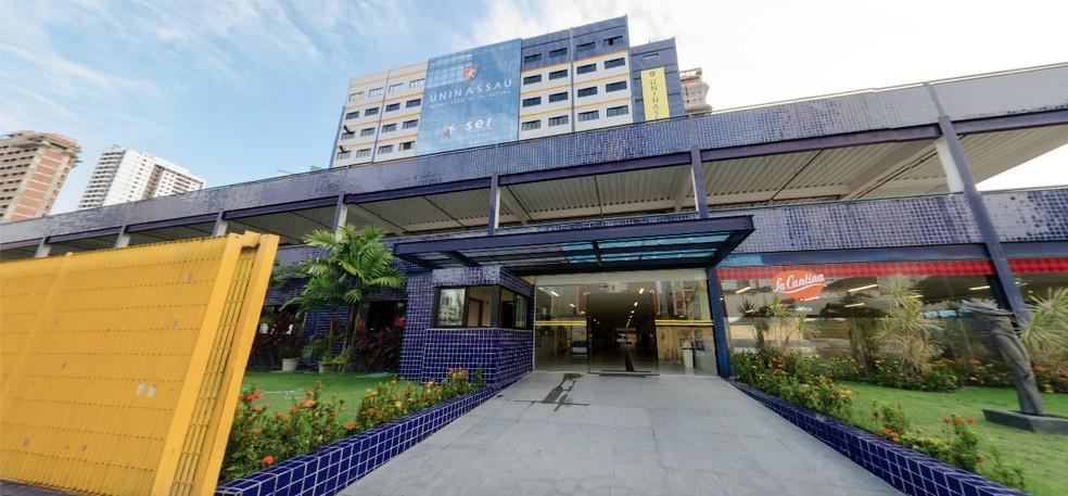 A Faculdade Maurício de Nassau é uma das unidades de ensino da capital pernambucana que oferecem bolsas para o Prouni — Foto: Reprodução/Google Street View