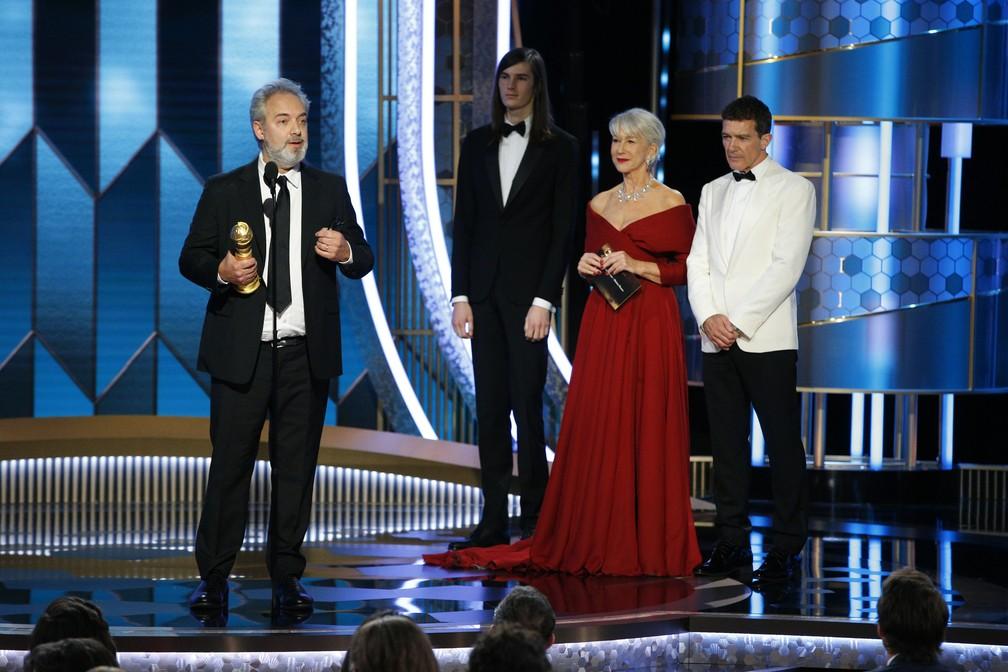 """Filme """"1917"""" foi premiado no Globo de Ouro 2020 nas categorias de melhor filme (Drama) e melhor diretor para Sam Mendes — Foto: Paul Drinkwater/NBC via AP"""