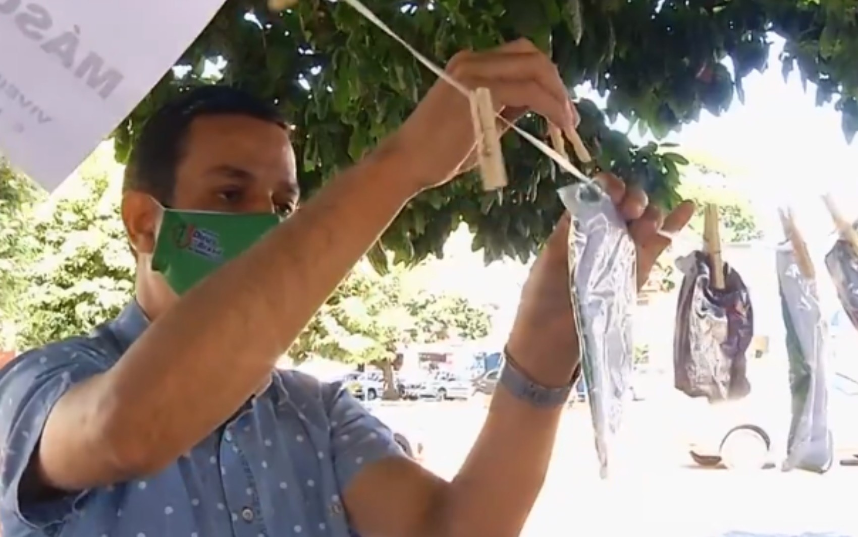 Igreja cria 'varal solidário' para doar máscaras a quem precisa em Morrinhos