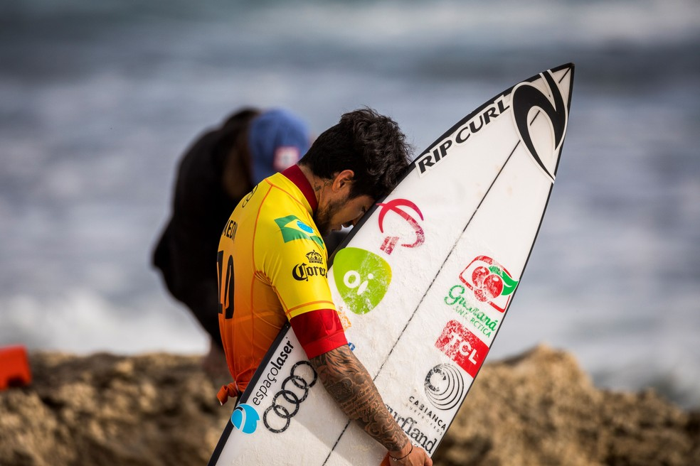 Gabriel Medina segue firme na disputa em Margaret Beach — Foto: Cait Miers / Getty Images
