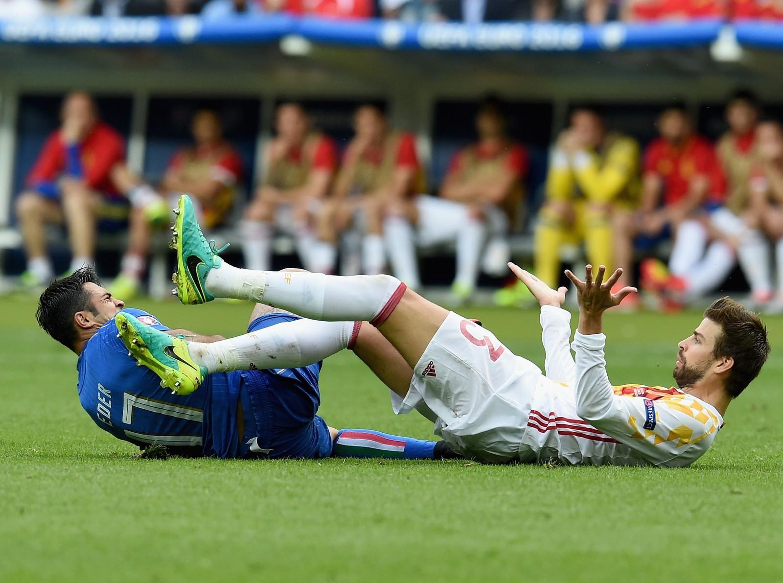 Italie, de Eder, et l'Espagne, de pique, ont un duel direct par vacance dans la Copa (photo: Getty Images)