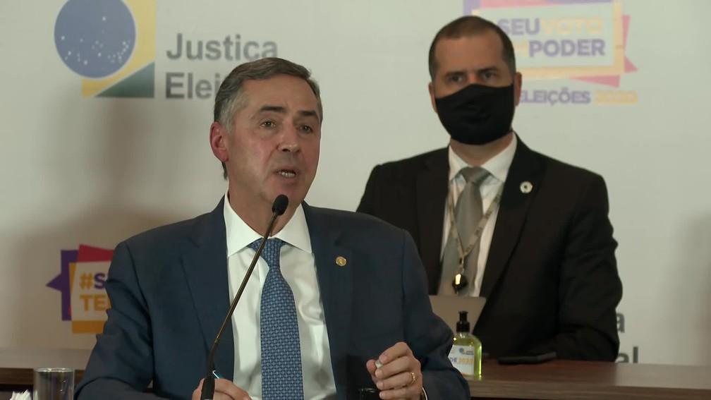 O ministro Barroso, presidente do TSE, falou sobre a eleição municipal nesta segunda (16) — Foto: Reprodução