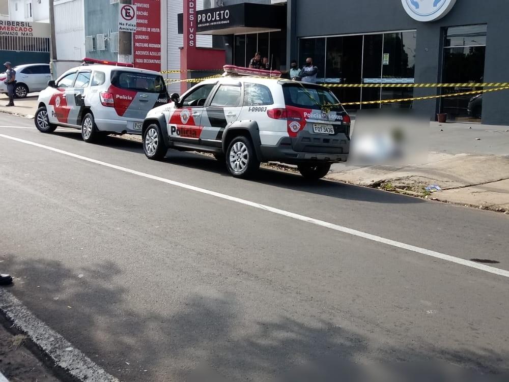 Homem esfaqueia proprietário de oficina e acaba morto por PM que estava de folga em Marília
