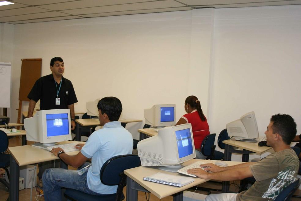 Cagece oferta cursos profissionalizantes (Foto: Cagece/Divulgação)