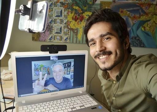 Bruno Barros gravou uma entrevista com Rogério Flausino (Foto: Arquivo pessoal)