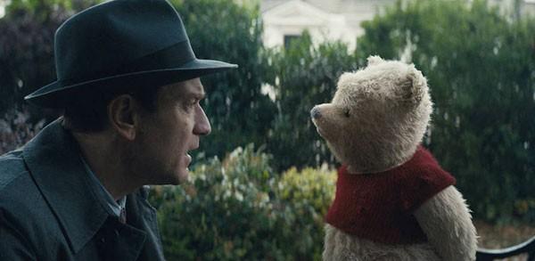 Ewan Mc Gregor interpreta Cristóvão adulto e reencontra o Ursinho Pooh (Foto: Reprodução YouTube)