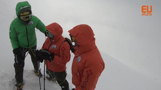 Cinegrafistas revelam bastidores de escalada da maior montanha da Europa