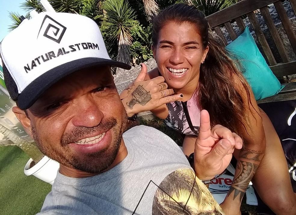 Ao lado de ídolos, como a top mundial Silvana Lima, Pino garante viver dias de sonho em Saquarema (Foto: Arquivo Pessoal)