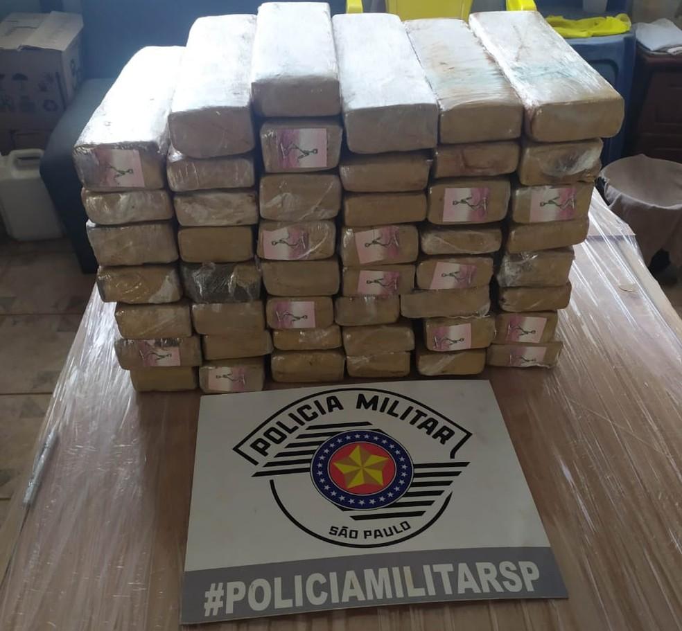 Carga de maconha foi apreendida em Pacaembu nesta quarta-feira (21) — Foto: Polícia Militar