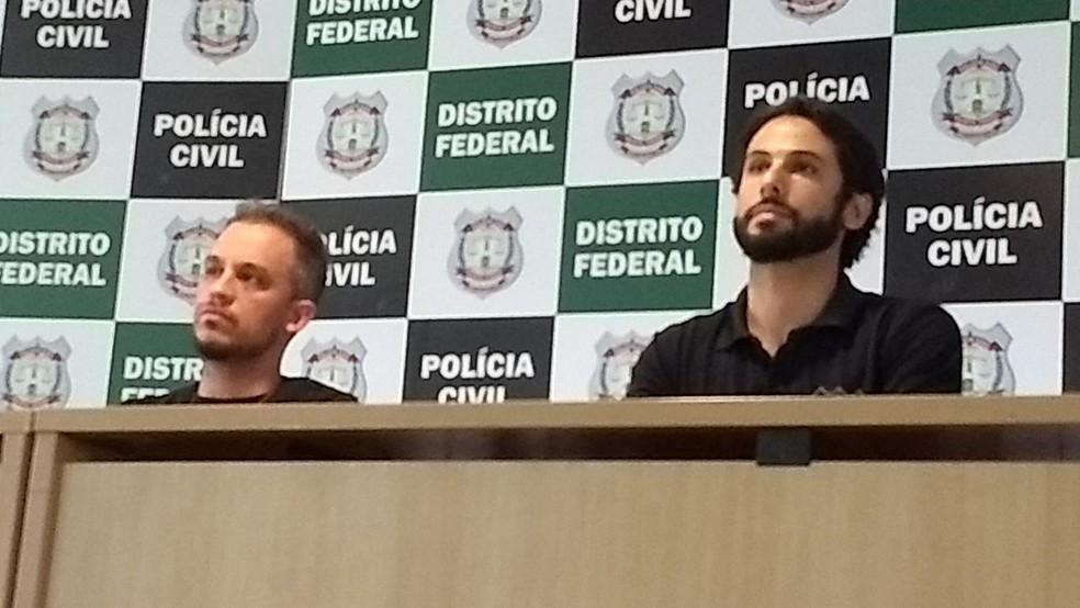 Os delegados da Deco Bruno Ornelas (esq.) e Adriano Valente (Foto: Elielton Lopes/G1)