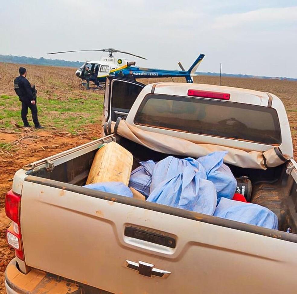 Mais de uma tonelada de cocaína foi encontrada em caminhonete — Foto: PF/Divulgação