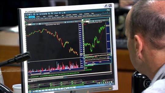 Bolsa cai 5,4% na semana; dólar fecha na maior cotação do ano