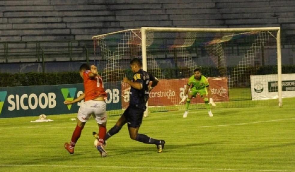 Admilton e Felipe foram bem diante do Baeta — Foto: Rise Up Mídia/Tupynambás
