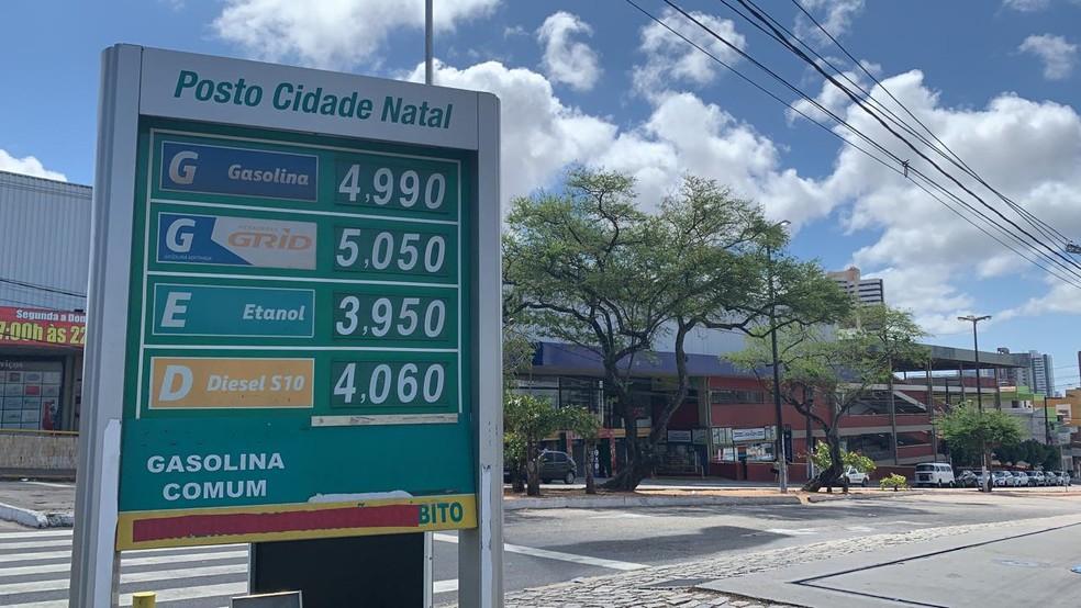 Gasolina chega a R$ 4,99 em postos de Natal — Foto: Mariana Rocha/Inter TV Cabugi