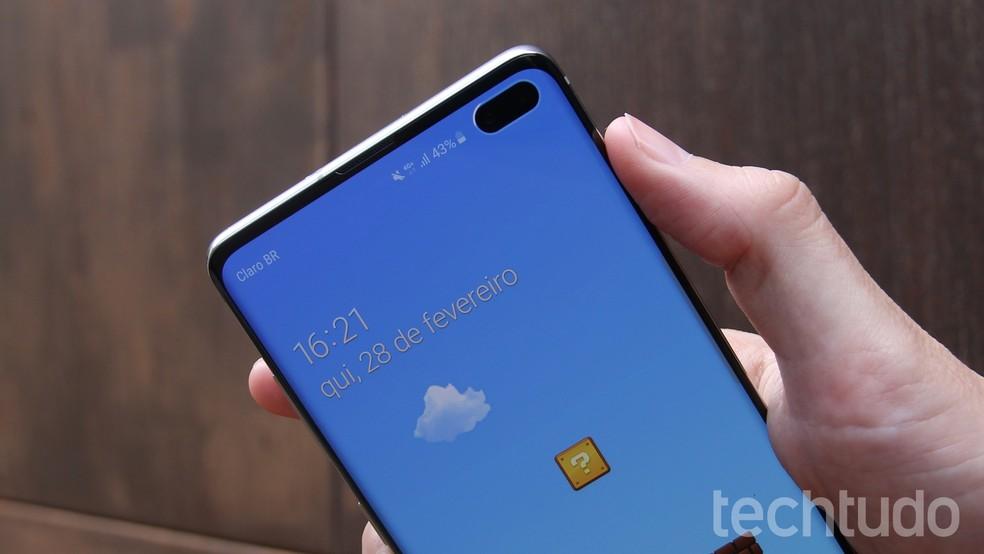 Galaxy S10 Plus vendido no Brasil, mesmo com processador Exynos da Samsung, conta com a GPU Mali G76 desenvolvida pela ARM — Foto: Thássius Veloso / TechTudo