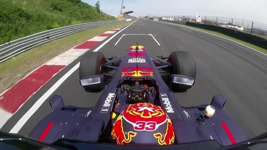 Max Verstappen e uma volta de F1 em casa, no circuito de Zandvoort
