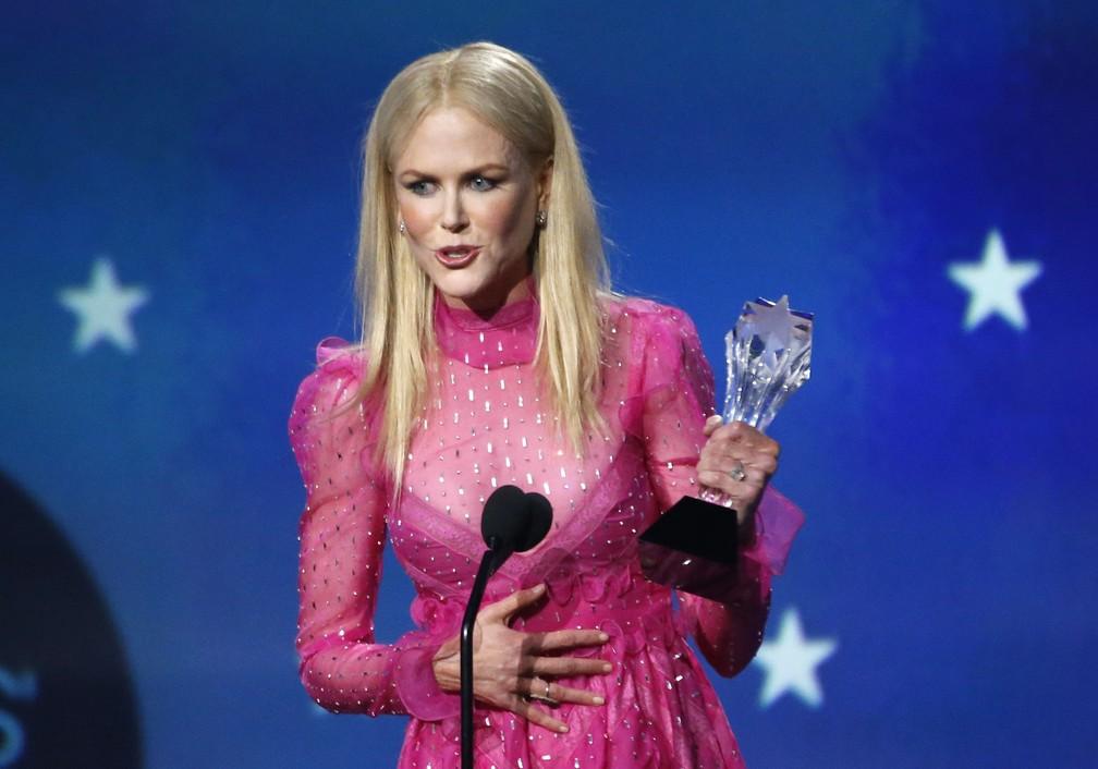 Nicole Kidman leva prêmio de melhor atriz de uma série limitada ou filme para televisão por