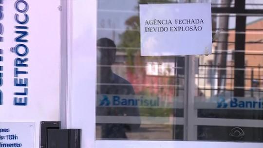 Vídeo mostra carro em fuga após ataque a banco com explosivos em Tapes