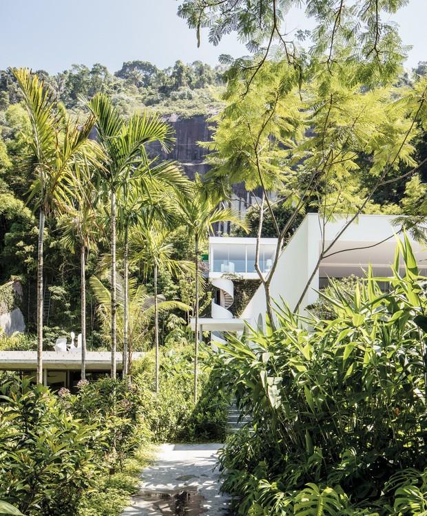 Niemeyer desenhou a casa em 1969 para sua cunhada (Foto: Stephan Ruiz/ Reprodução)