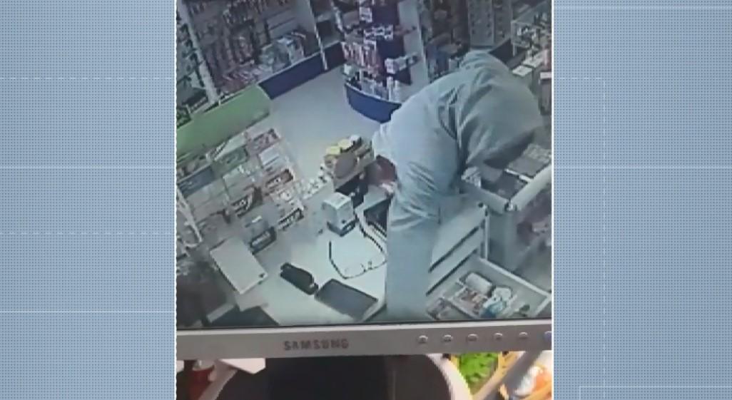 Dois suspeitos são detidos após assalto a farmácia em Americana