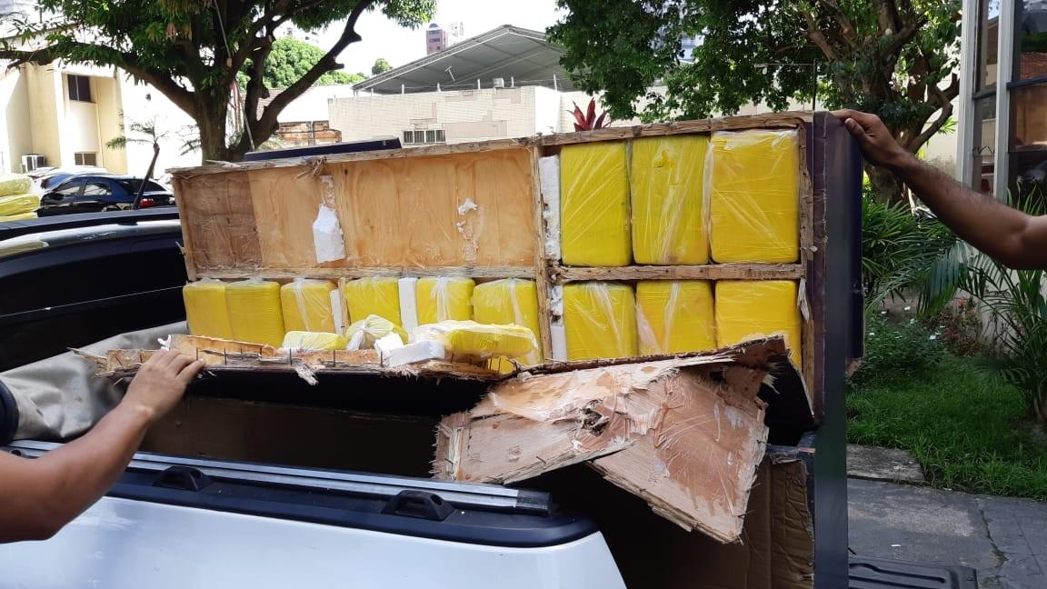 Polícia Civil apreende mais de 30 tabletes de cocaína em barco no Pará