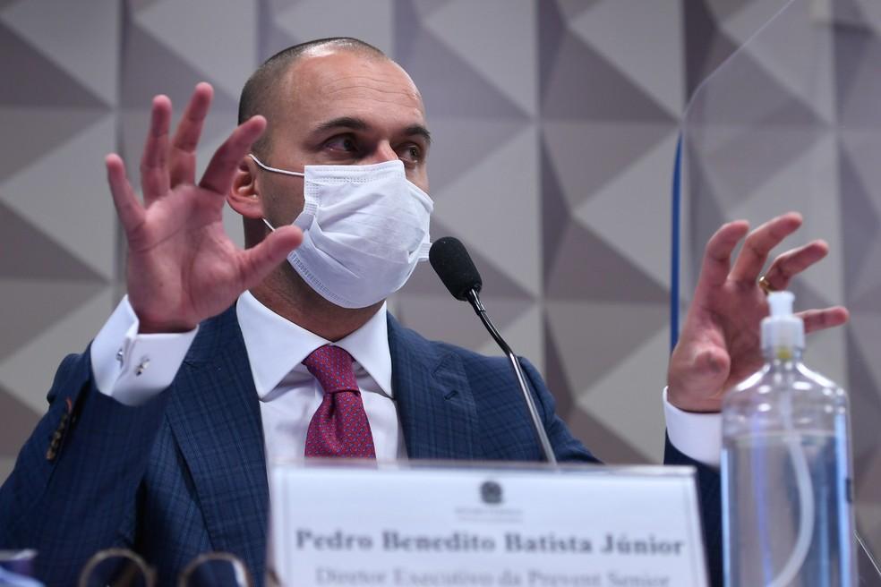 Pedro Benedito Batista Júnior, diretor da Prevent Senior, durante depoimento à CPI — Foto: Edilson Rodrigues/Agência Senado
