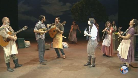 Theatro Pedro II recebe o musical 'Nuvem de Lágrimas' em Ribeirão Preto, SP
