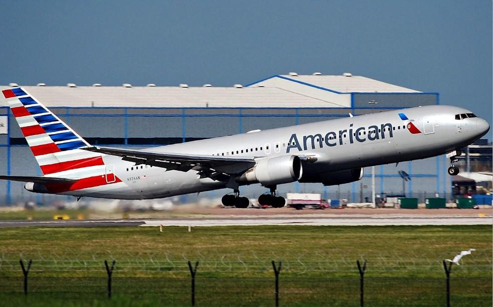 Avião da American Airlines no aeroportode Manchester — Foto: Flickr/Riik@mctr/Creative Commons