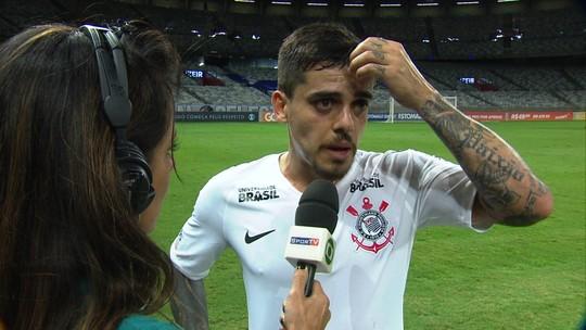 Fagner diz que não falta entrega ao Corinthians, mas pede hombridade na reta final