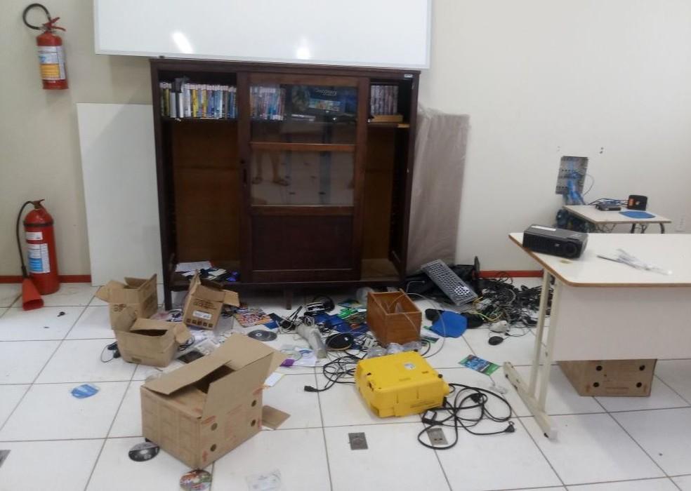 Escola em Lages foi alvo de furtos e vandalismo  (Foto: Luis Anderson Antunes/Divulgação)