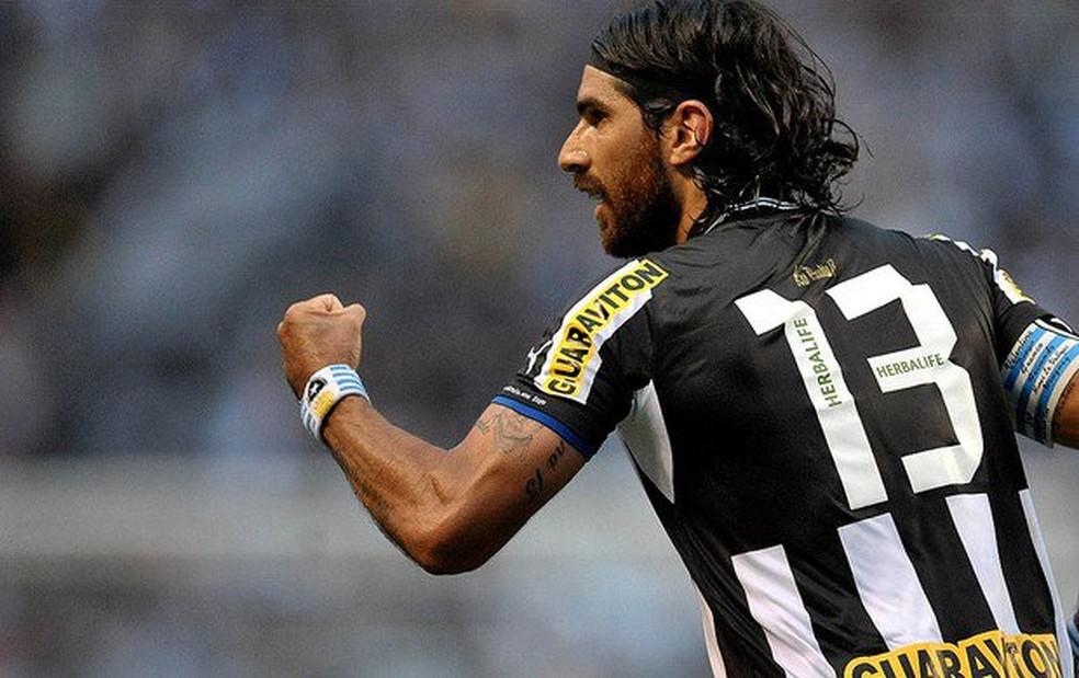 Loco Abreu eternizou o número 13 em General Severiano (Foto: Divulgação / Botafogo)