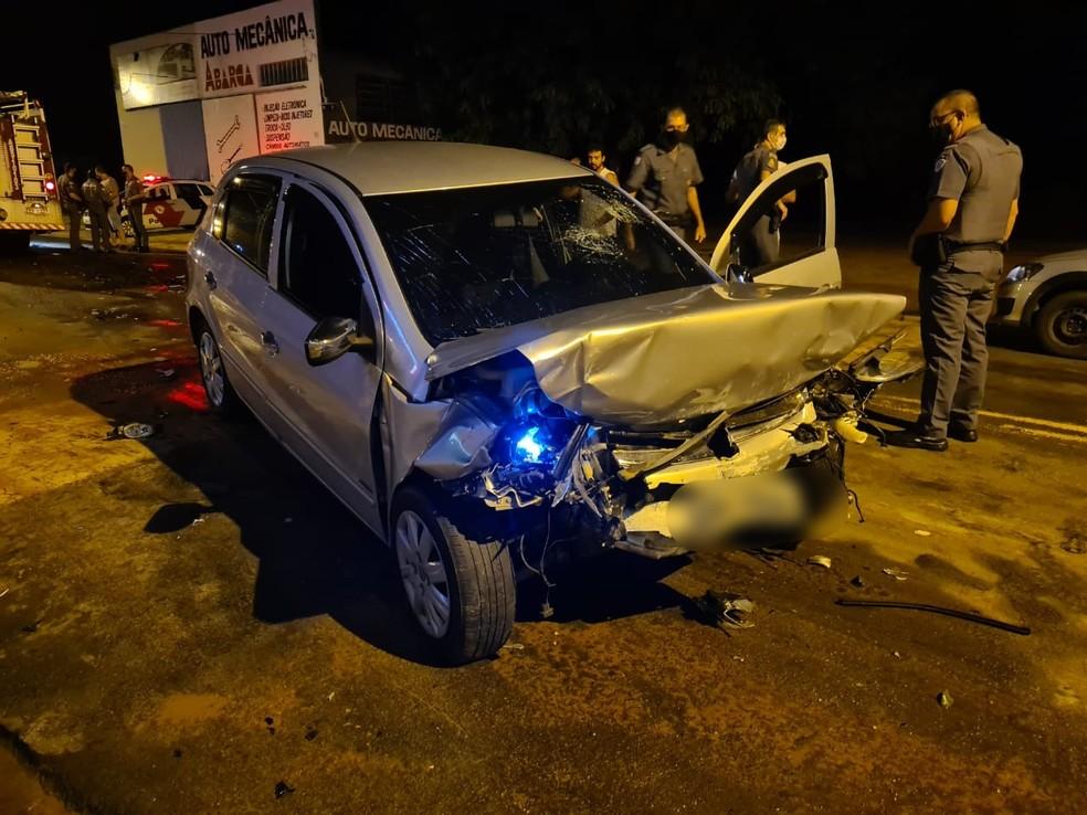 Carros bateram de frente no centro de Tupã — Foto: João Trentini/Divulgação