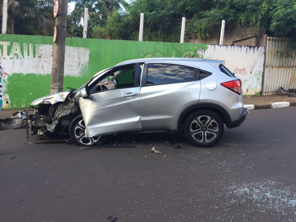 Acidente foi registrado na Avenida da Saudade (Foto: Gabriel Tibaldo/G1)